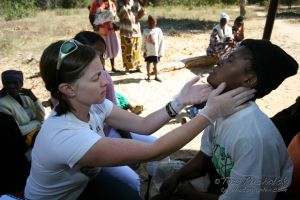 2009-07 (Zim- Med Clinic)_0071EDIT.jpg