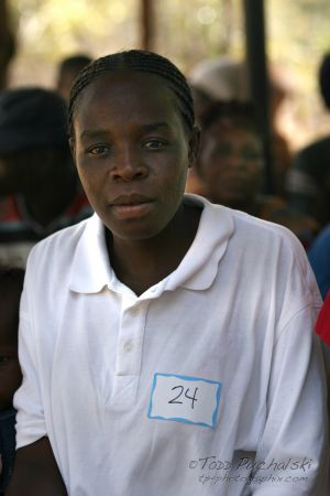 2009-07 (Zim- Med Clinic)_0209EDIT.jpg