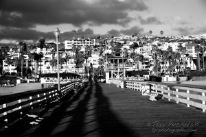 2007 Looking Back - San Clemente Pier B&W.jpg